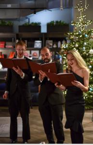 carol singers hire uk trio